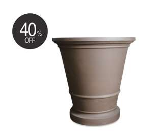 Pietro Abbey Planter