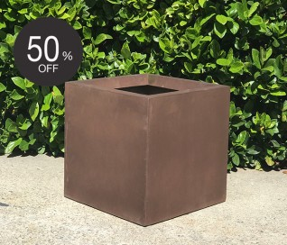 Pietro Cube Planter | Burnt Umber